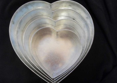 Galvanised rounded heart shape pans